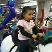 Photo taken at Chuck E. Cheese's by Ephraim S. on 2/19/2012