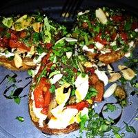 Das Foto wurde bei Toasteria Cafe von Donna L. am 7/10/2012 aufgenommen