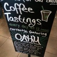Photo taken at Starbucks by Runnett on 8/9/2012