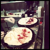 Foto tomada en Mod's Coffee & Crepes por Thom C. el 5/11/2012