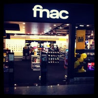 Foto tirada no(a) Fnac por Gilvane F. em 6/1/2012