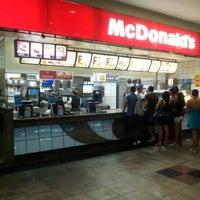 Foto tirada no(a) McDonald's por Otavio S. em 9/9/2012