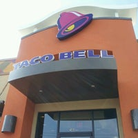 Photo taken at Taco Bell by David C. on 7/23/2012