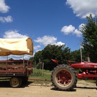 Photo taken at SMOLAK FARMS by Linda Y. on 7/21/2012