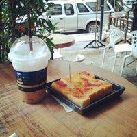 Снимок сделан в Pacamara Boutique Coffee Roasters пользователем Chirawat S. 5/20/2012