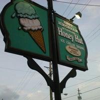 Photo taken at Honey Hut Ice Cream Shoppe by Mandy P. on 7/20/2012