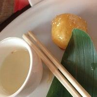 Снимок сделан в Мама Тао пользователем Elya R. 3/22/2012