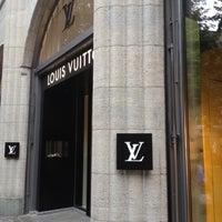 7/2/2012 tarihinde Mateuszziyaretçi tarafından Louis Vuitton'de çekilen fotoğraf