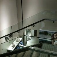 5/6/2012 tarihinde Tony J.ziyaretçi tarafından BOSS Store'de çekilen fotoğraf