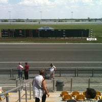 Photo taken at Harrah's Philadelphia Casino & Racetrack by Theo H. on 5/13/2012