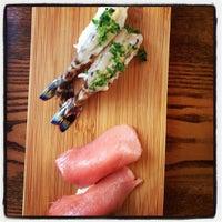 Photo prise au Akiko's Restaurant & Sushi Bar par chuckdafonk F. le9/9/2012