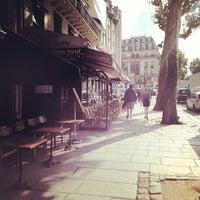 Photo prise au Café du Pont-Neuf par Aly M. le9/13/2012