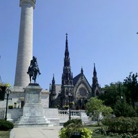Foto diambil di Mount Vernon Place oleh Mindy V. pada 7/6/2012
