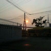 Photo taken at ตลาดสดพระประแดง by A Joga R. on 2/12/2012