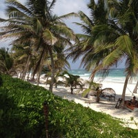 Foto tomada en Ziggys Beach Club por Vladimir S. el 5/13/2012