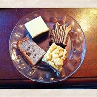 Das Foto wurde bei Fett + Zucker von petra g. am 3/30/2012 aufgenommen