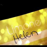 Снимок сделан в Limone Restaurante e Café пользователем Hellen M. 6/27/2012