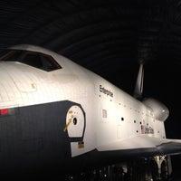Photo prise au Space Shuttle Pavilion at the Intrepid Museum par John F. le7/21/2012