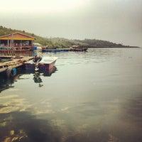 รูปภาพถ่ายที่ Kelong Restaurant Aneka Rasa โดย Jimmy T. เมื่อ 9/4/2012