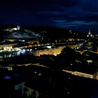 Das Foto wurde bei Sheraton Grand Salzburg von lee k. am 6/28/2012 aufgenommen