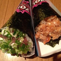 Photo taken at Yoi! Roll's & Temaki by Daniela R. on 7/15/2012
