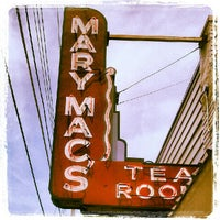 Foto tomada en Mary Mac's Tea Room  por Amy M. el 6/9/2012