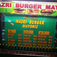 Photo taken at Nazri Burger Mayonis by Faizal A. on 6/13/2012