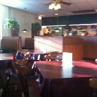 Photo taken at Front Room Pizza by Elaine on 9/5/2012