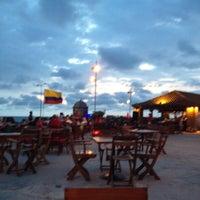 Foto tomada en Café del Mar por Lili R. el 5/19/2012