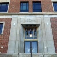 Das Foto wurde bei White Hall von Linda B. am 5/18/2012 aufgenommen