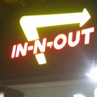Photo taken at In-N-Out Burger by Tracy on 7/19/2012