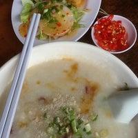 Photo taken at Ah Chiang's Porridge by NICOLEANNLEE on 9/8/2012