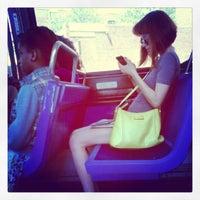 Foto diambil di MTA Bus - B46 oleh Ali W. pada 5/20/2012