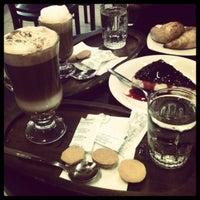 Foto tomada en Coffee & Choc por Camila M. el 8/26/2012