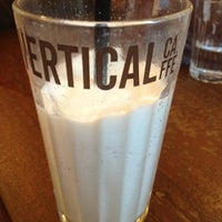 8/24/2012 tarihinde Valmonziyaretçi tarafından Vertical Caffé'de çekilen fotoğraf