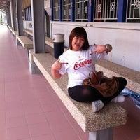 Снимок сделан в DTS R2 Gombak Station пользователем Rina A. 6/16/2012