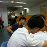 Photo taken at Taylor's College Library by Vinshen C. on 5/29/2012
