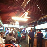 Photo taken at Sri Ananda Bahwan Restaurant by Mazhar R. on 3/3/2012