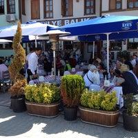 6/2/2012 tarihinde Cem T.ziyaretçi tarafından Tirilye Balık Restorant'de çekilen fotoğraf