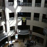 8/17/2012 tarihinde James H.ziyaretçi tarafından San Francisco Public Library'de çekilen fotoğraf