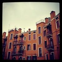รูปภาพถ่ายที่ Albergo al Fagiano โดย Filippo M. เมื่อ 5/6/2012