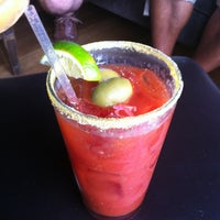 รูปภาพถ่ายที่ Hamburger Mary's / Andersonville Brewing โดย Jerry C. เมื่อ 5/20/2012