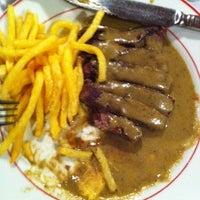 Foto scattata a Melo Restaurant da Andre B. il 3/27/2012