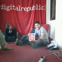 Foto tomada en Digital Republic por Ahmed W. el 5/2/2012