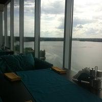 Снимок сделан в Sky lounge (WeekEnd, Небо) пользователем Sergei 7/1/2012