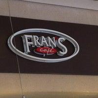 Foto tirada no(a) Fran's Café por Eduardo P. em 3/30/2012