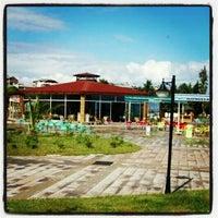 8/22/2012 tarihinde Erdem Y.ziyaretçi tarafından Park Pide'de çekilen fotoğraf