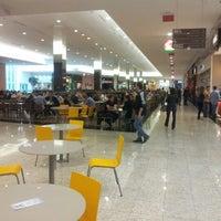 Foto tirada no(a) Norte Shopping por Fabiano L. em 6/20/2012