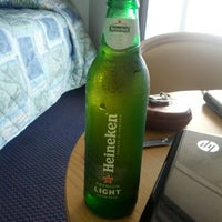 Das Foto wurde bei Bal Harbour Oceanfront Hotel von Laura F. am 8/18/2012 aufgenommen