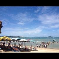 Снимок сделан в Pattaya Beach пользователем Nusara K. 8/14/2012